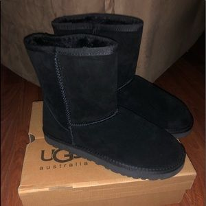 New Women's black UGG Boots size 10 classic short